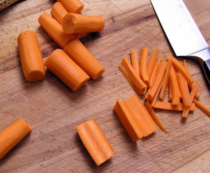 how to julienne carrots | Panning The Globe
