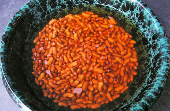 how to make Red Beans and Rice by Panning The Globe