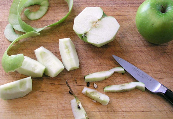 tart-apples-getting-sliced