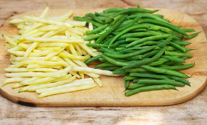 green beans and yellow beans