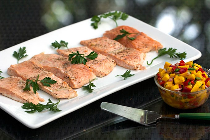 Recipe for perfect Roasted Salmon with tropical salsa - recipe by panningtheglobe.com