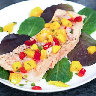 roasted salmon with tropical salsa l www.panningtheglobe.com
