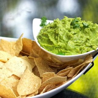 How to make perfect guacamole - recipe by Panning The Globe