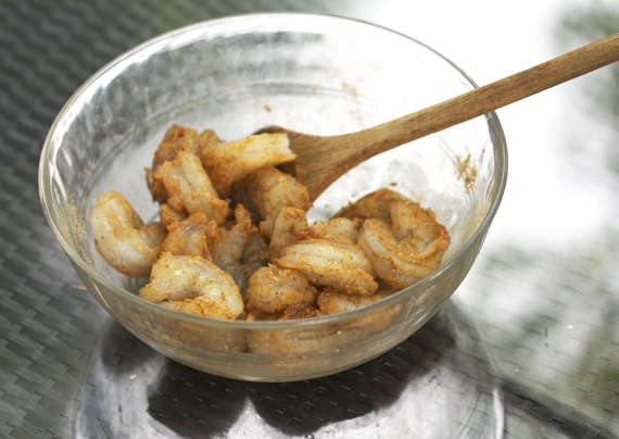 coating shrimp with spices