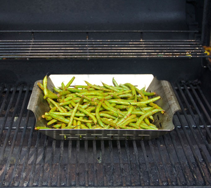 How to grill green beans, showing how to cook green beans on the grill with a grill rack