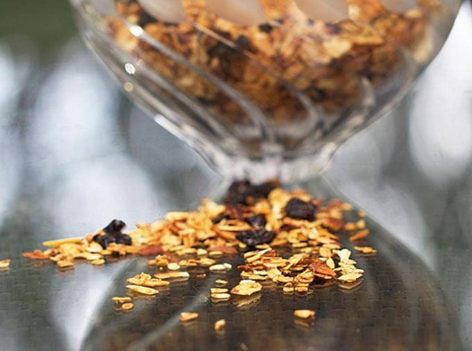 Vanilla Toasted Almond Granola | PanningTheGlobe.com