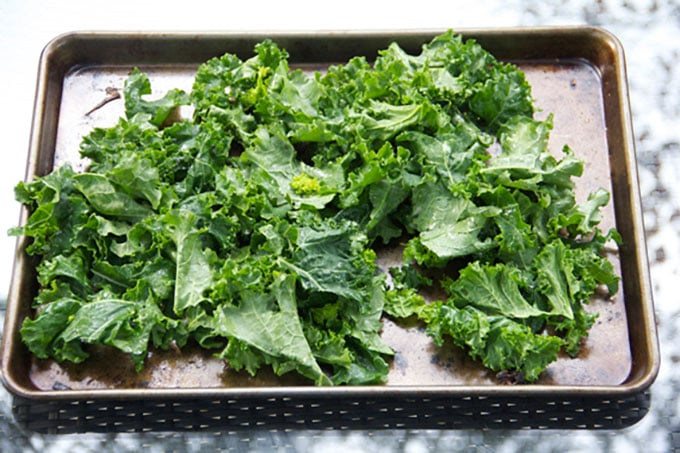 how to roast kale by Panning The Globe