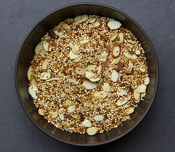 toasted-coconut-quinoa-almonds-recipe
