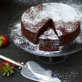 Bittersweet Chocolate Truffle Cake   Panning The Globe