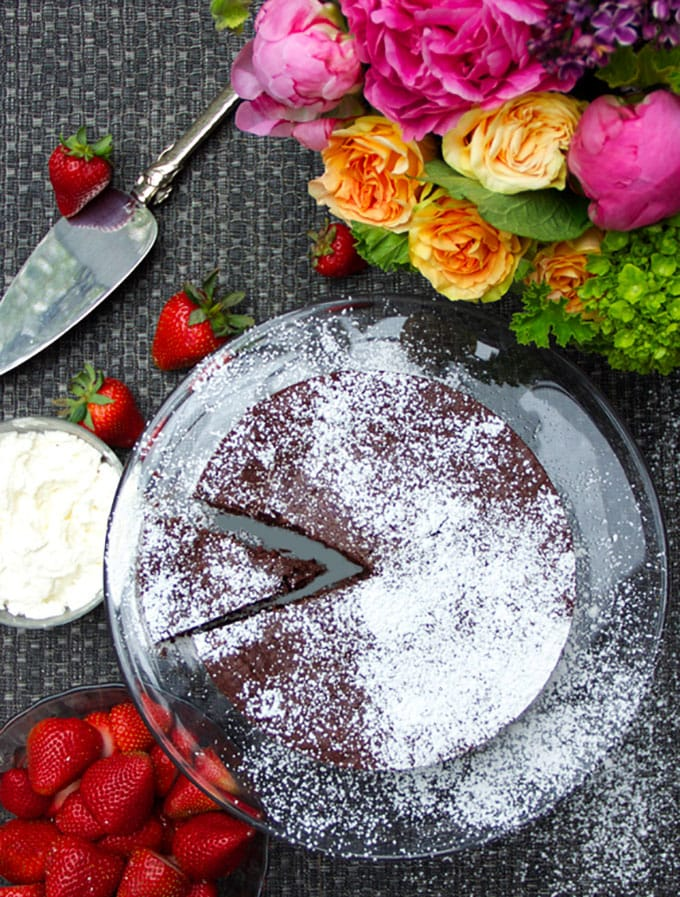 Flourless Bittersweet Chocolate Truffle Cake - perfectly delicious and gluten free | Panning The Globe