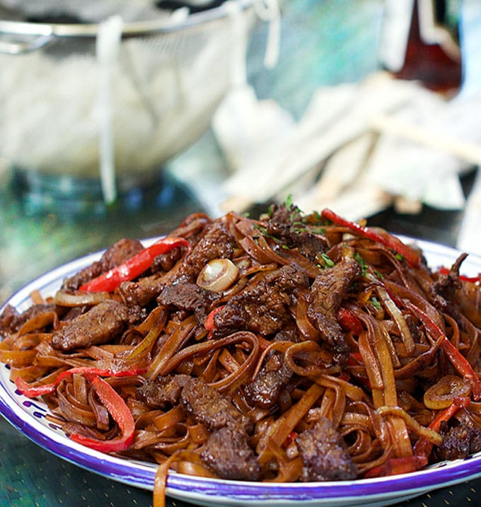 Chinese steak and noodles stir fry with vegetables