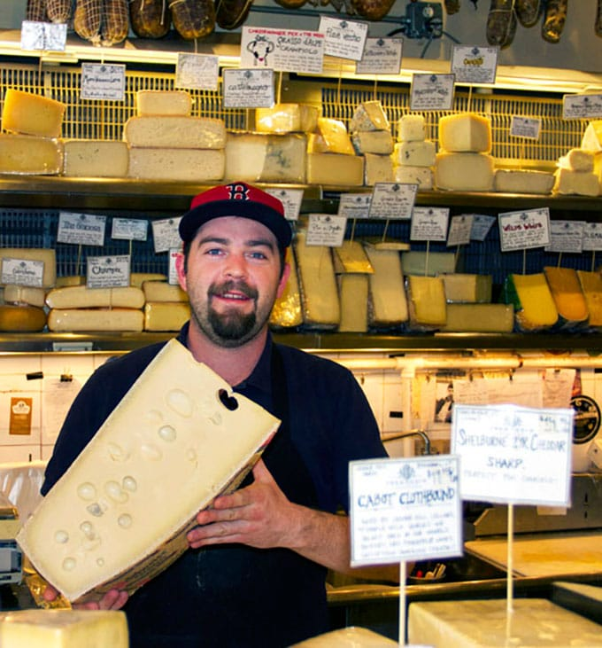cheeseformaggio-counter-cheese-570web