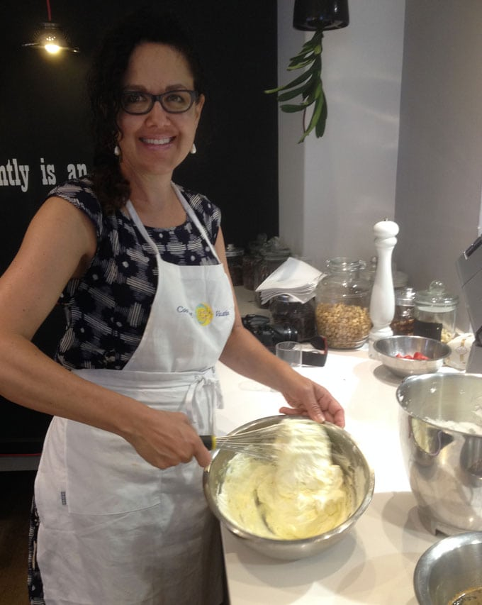 Lisa Goldfinger cooking in Italy