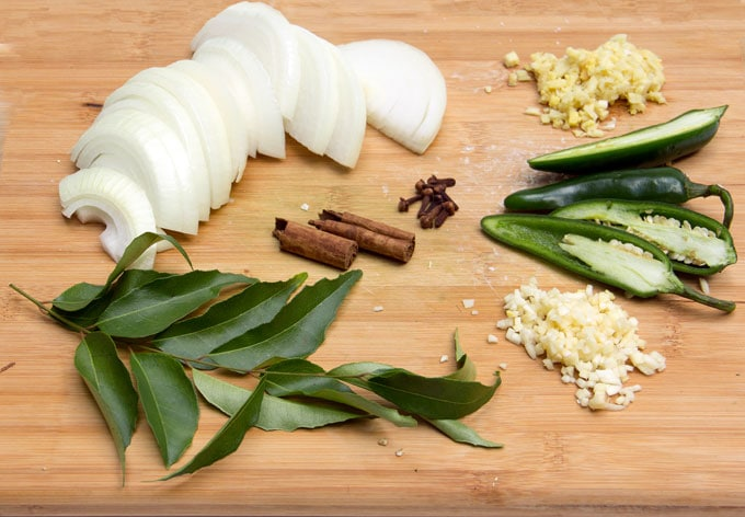 aromatics for making Sri Lankan Curry