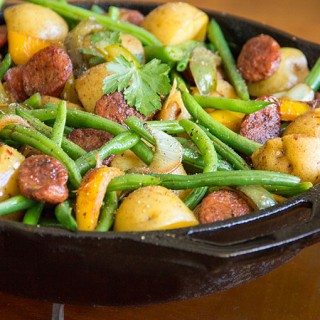 Sausages, Onions, Potatoes, Peppers and Green Beans: Great weeknight Dinner