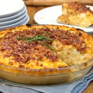 Cauliflower Gruyere Pie with Potato Crust and Bacon-Parmigiana Crumb Topping | Panning The Globe
