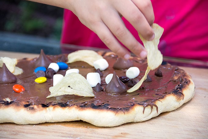 Chocolate pizza decorating