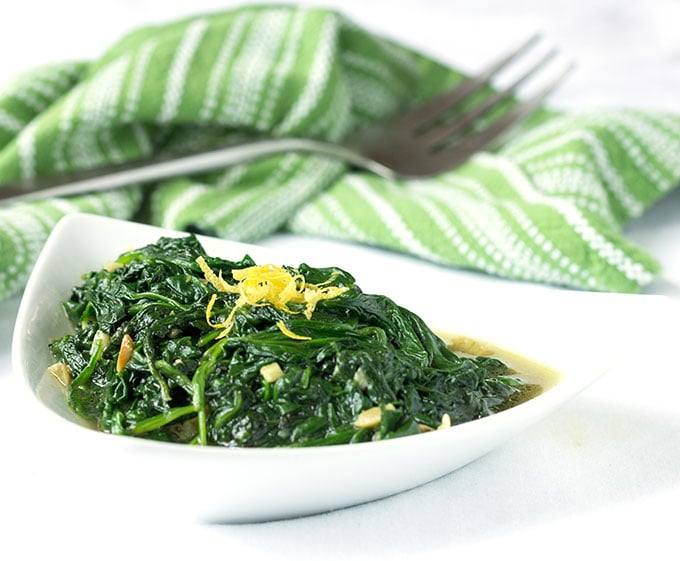 Sautéed Spinach and Garlic - an easy recipe for a healthy delicious side dish | Panning The Globe