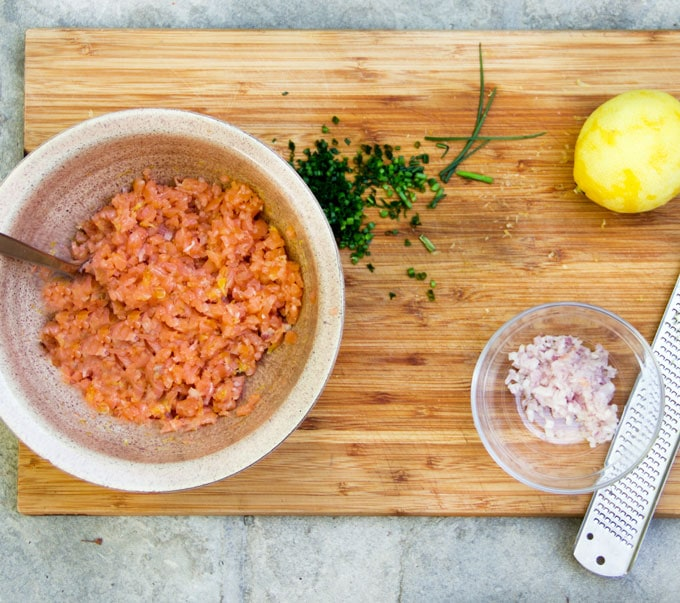 The quickest most elegant appetizer: smoked salmon tartare