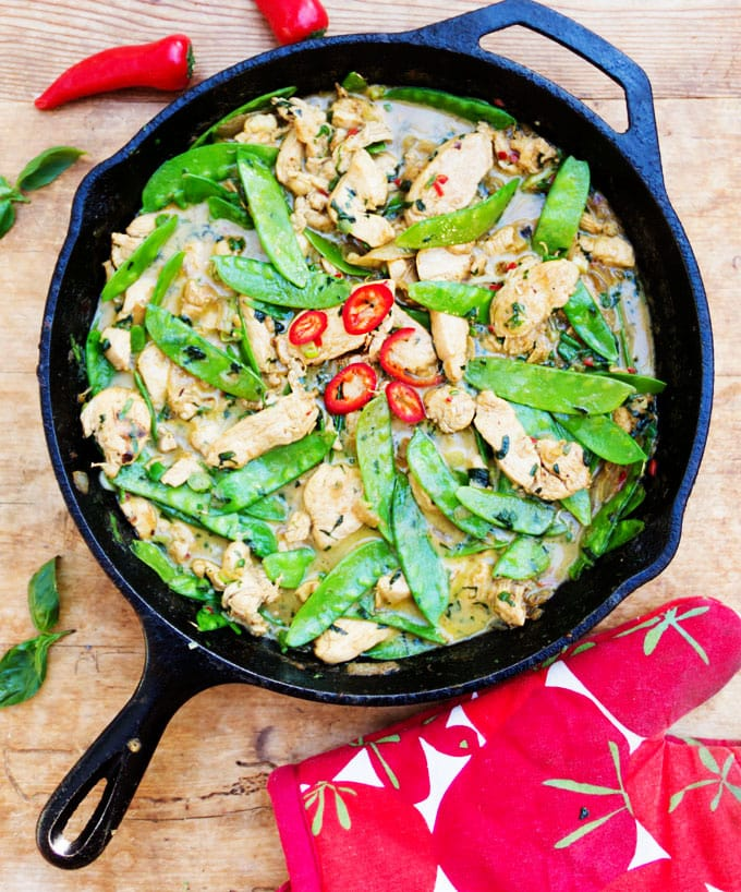 Thai green curry chicken with ginger and snow peas ginger coconut milk and basil enhance the flavors in this fragrant thai green curry chicken forumfinder Images