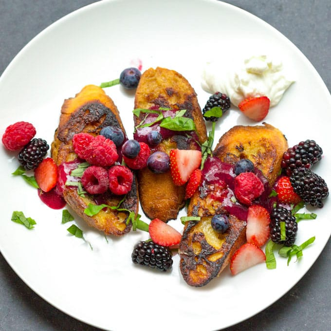 french toast with berries and berry sauce