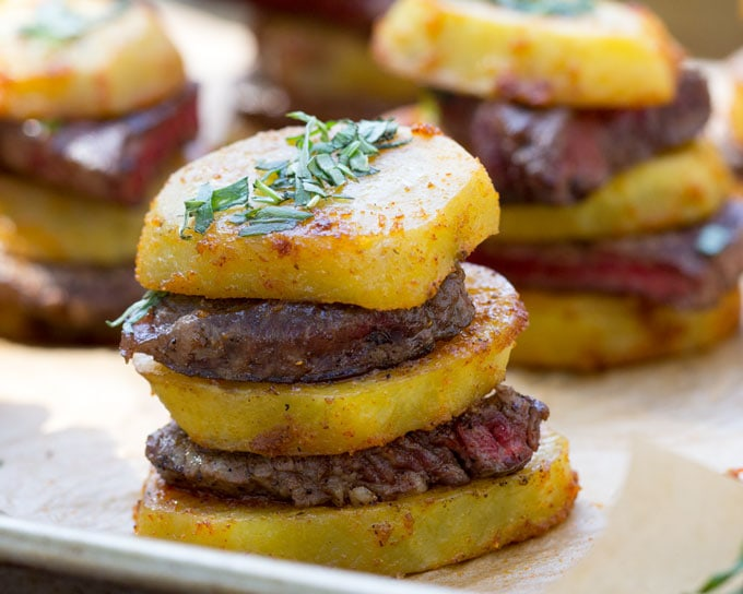 Steak and Potato Stacks is an elegant way to serve meat and potatoes: Salt and pepper-crusted beef tenderloin layered with slices of spicy roasted potatoes. These stacks make a great party appetizer l www.panningtheglob.com