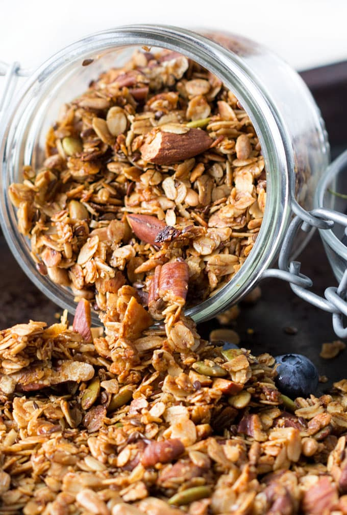 Here's an easy recipe for delicious healthy granola. It's made from heart-healthy oats, nuts and seeds, and it's flavored with cinnamon and maple syrup.