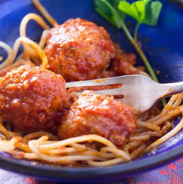 These are the most tender and flavorful Italian style turkey meatballs. Sooo delicious! And they're also healthy and gluten free.