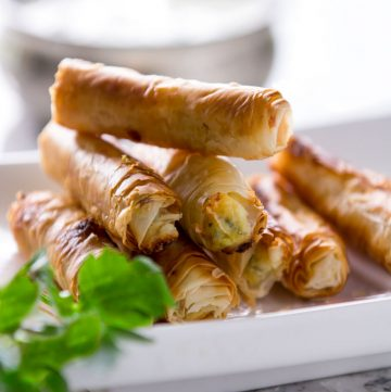 Sigara Borek: Crisp phyllo rolls filled with feta and scallions - a delicious Turkish appetizer recipe