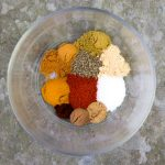 Ras el hanout is a fantastic North African spice mix that's super easy to make. There are so many good reasons to have a jar of Ras el hanout on hand. It's a fantastic rub for beef, chicken or fish and a wonderful flavor base for soups, stews and marinades | recipe by panningtheglobe.com