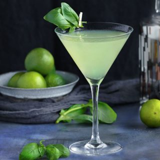 The Basil Vodka Gimlet is a refreshing lime and basil-infused vodka cocktail with a touch of sweetness made with muddled basil, fresh lime juice, vodka and simple syrup l panningtheglobe.com
